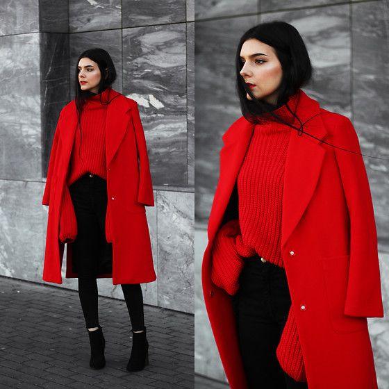 Модный лук с красным пальто
