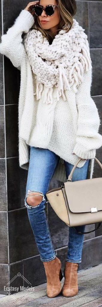 лук джинсы и свитер