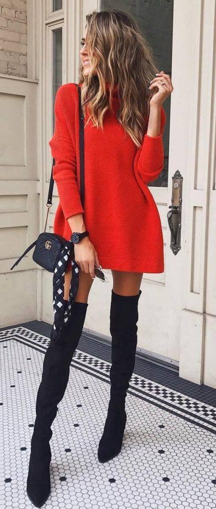 платье-свитер с ботфортами