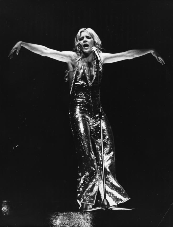 Сильви Вартан на сцене во время гастролей в США в 1965 году